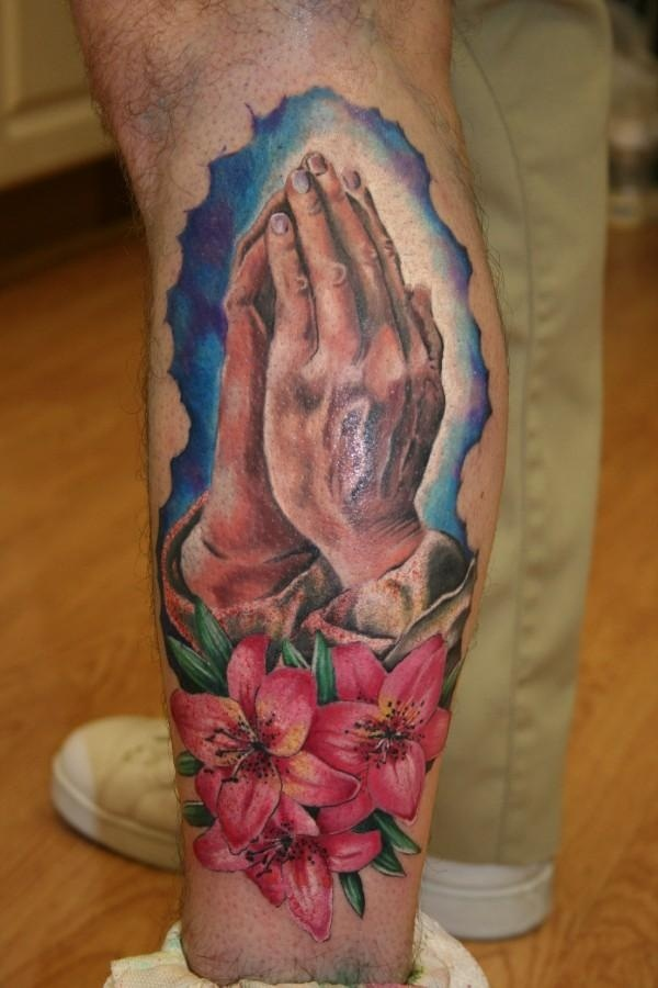 Praying hand tattoo (24)