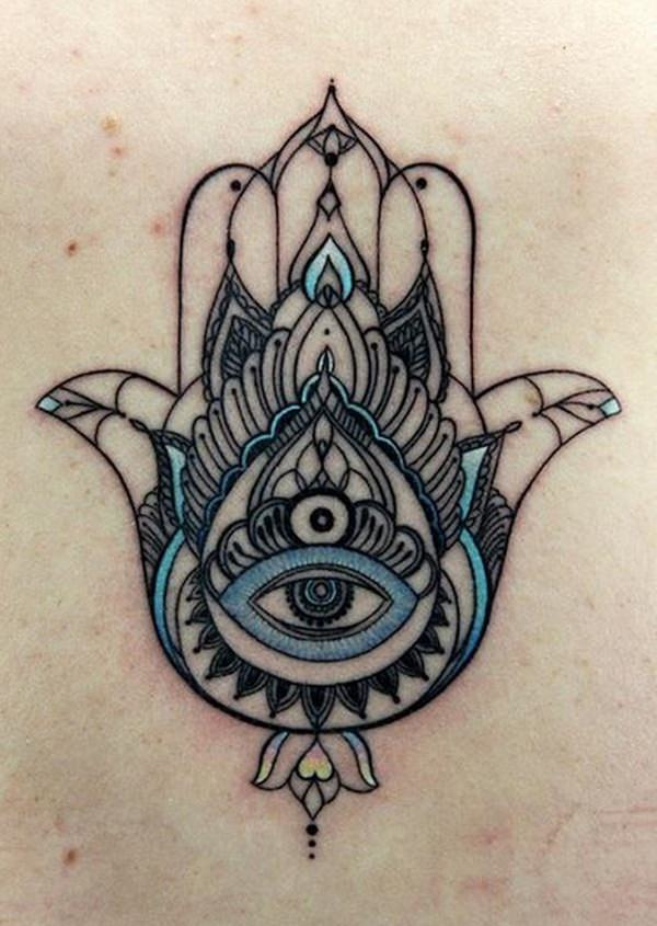 45 Popular Hamsa Tattoo Designs for Women (With Meaning)