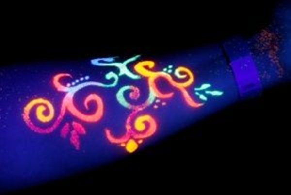 black light tattoo (15)
