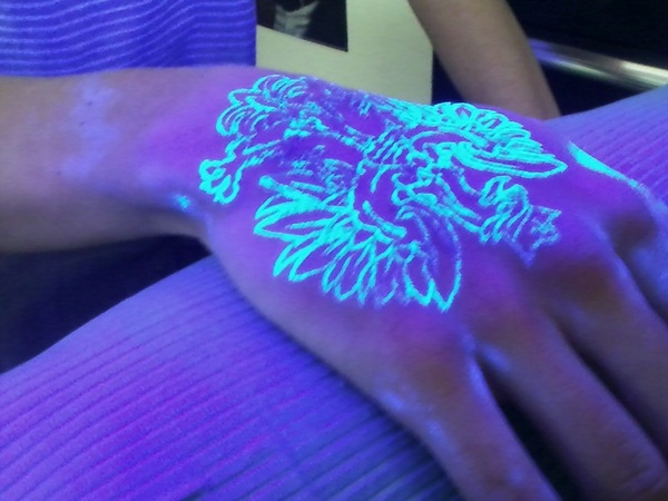 black light tattoo (99)