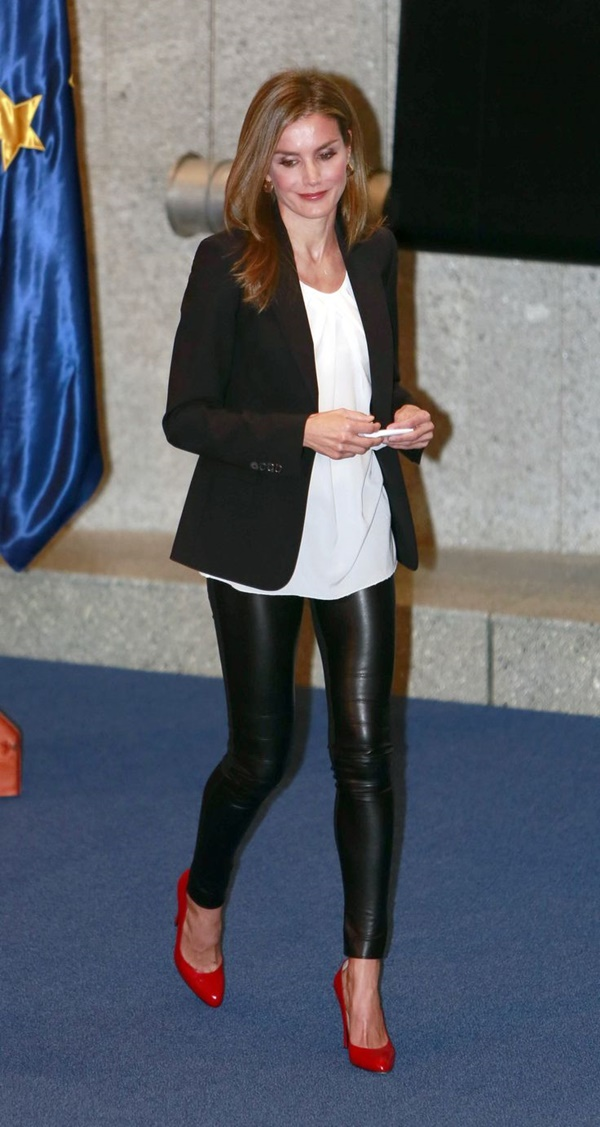 Leather Pants Outfits Ideas (5)