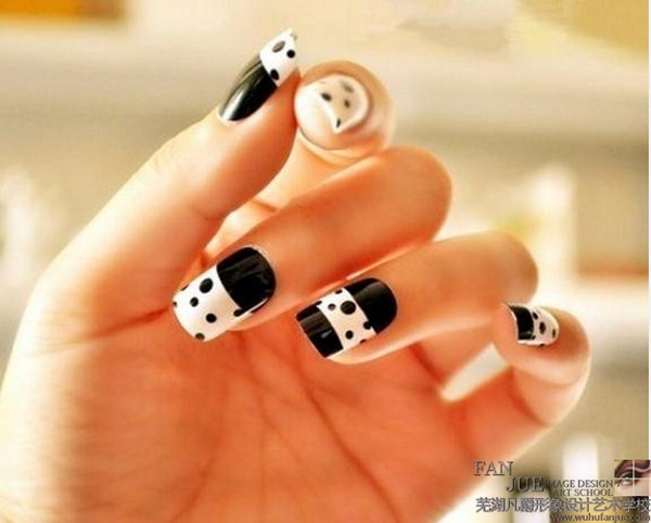 Most Attractive black and white nail art designs (12)