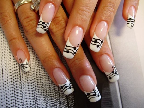 Most Attractive black and white nail art designs (15)