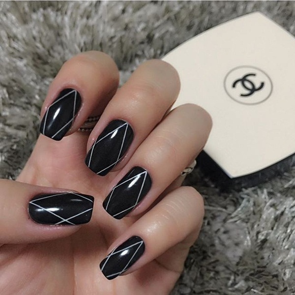 Most Attractive black and white nail art designs (51)