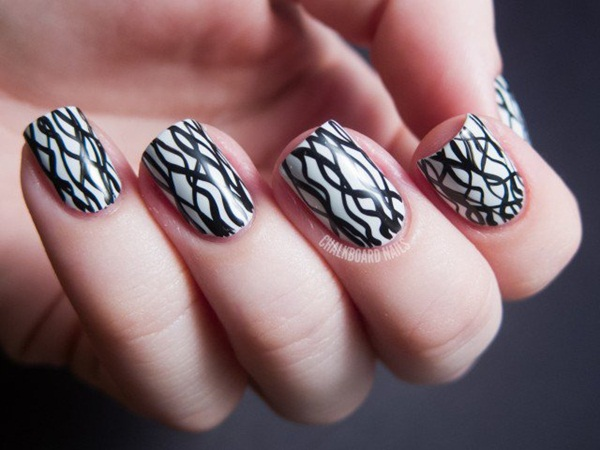 Most Attractive black and white nail art designs (82)