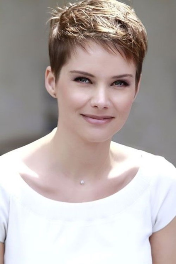 short layered hairstyles0461