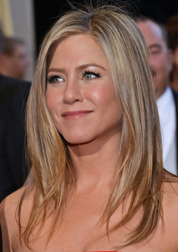 HOLLYWOOD, CA - FEBRUARY 24: Actoress Jennifer Aniston arrives at the Oscars at Hollywood & Highland Center on February 24, 2013 in Hollywood, California. (Photo by Michael Buckner/Getty Images)