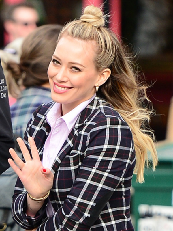 """NEW YORK, NY - OCTOBER 29: Actres Hilary Duff is seen filming """"Younger"""" on October 29, 2014 in New York City. (Photo by Raymond Hall/GC Images)"""