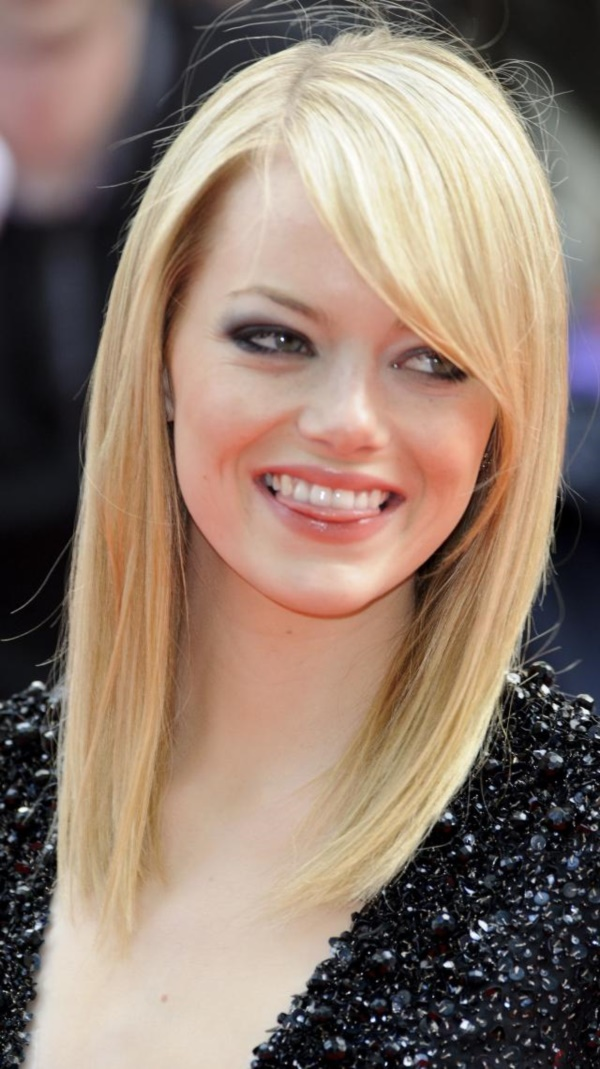 LONDON, ENGLAND - JUNE 18: Emma Stone attends the Gala Premiere of The Amazing Spider-Man at Odeon Leicester Square on June 18, 2012 in London, England. (Photo by Ben Pruchnie/Getty Images)