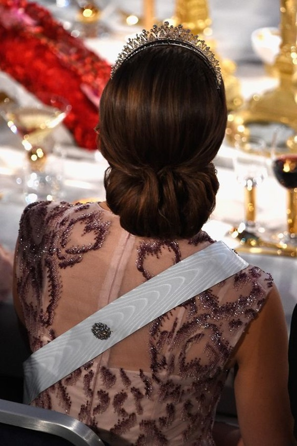 royal party hairstyles (26)