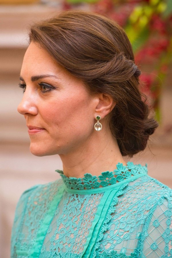 royal party hairstyles (50)