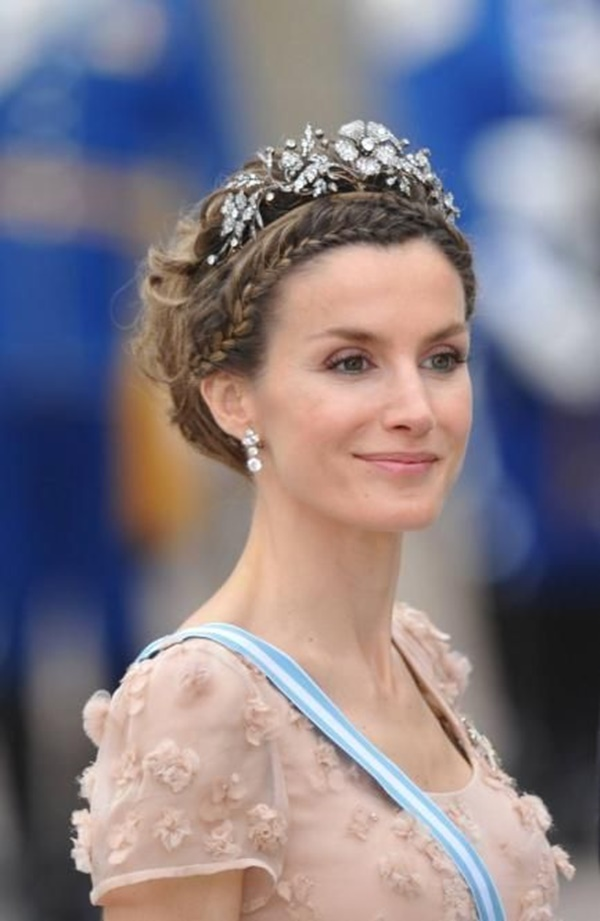 royal party hairstyles (59)