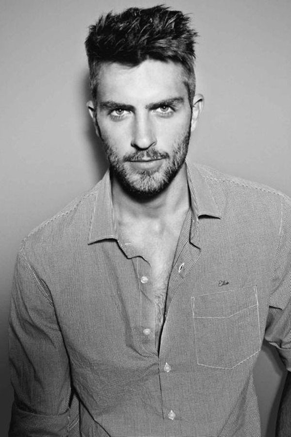 side swept hairstyle for men (43)