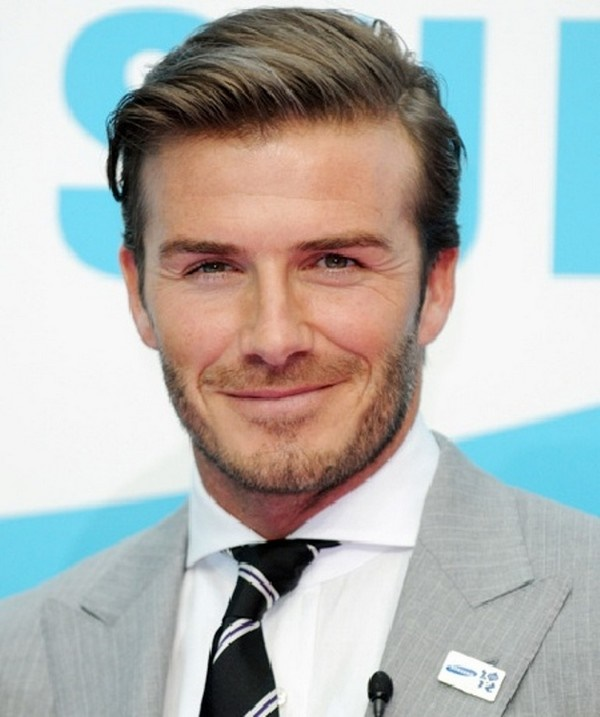side swept hairstyle for men (68)